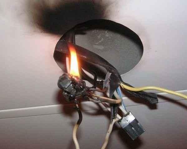 Ошибки электриков, которые могут стоить жизни