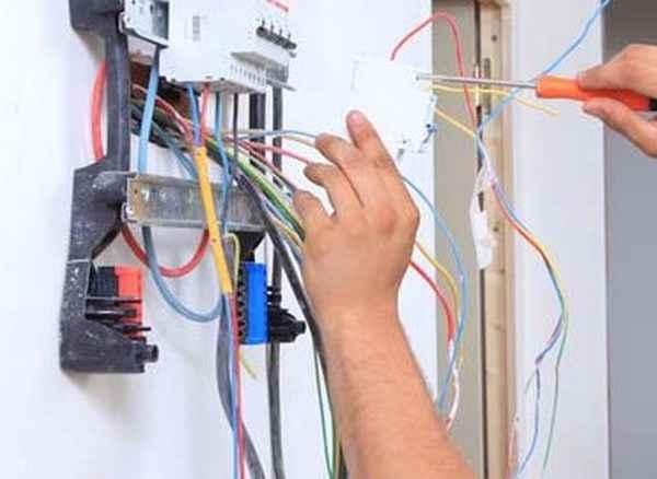 Что нужно электрику в первую очередь - список инструментов