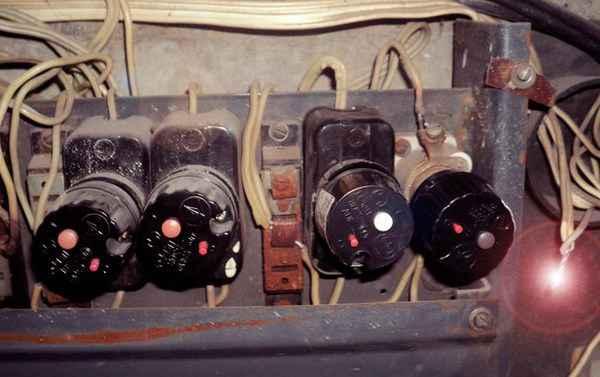Чем опасно падение напряжения в электропроводке