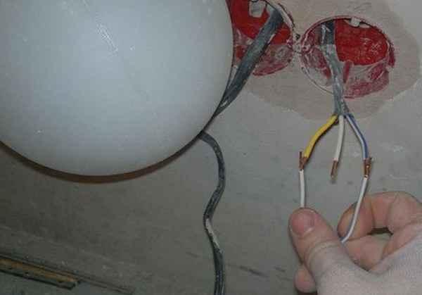 Поиск фазного проводника контролькой