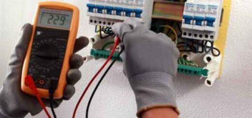 Почему электрики должны работать только вдвоём