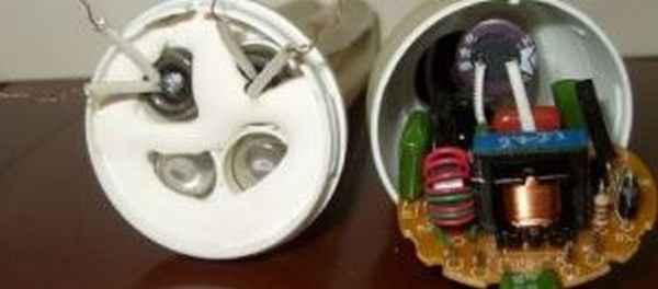 Из чего состоит энергосберегающая лампа и как её разобрать